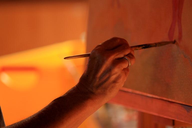 ... sowie im Rahmen von Kreativ-Kursen aktiv tätig werden: Bogenschießen, Malen, Kunsttherapie & vieles mehr wird hier geboten